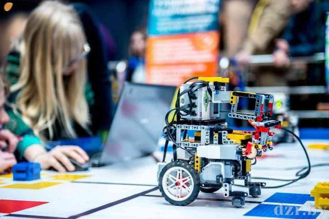 Среди победителей областного конкурса по робототехнике – учащиеся Дзержинского района