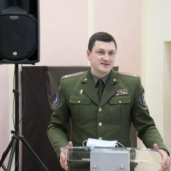 В рамках проекта «ШАГ» начальник Минского областного управления МЧС пообщался с учащимися района