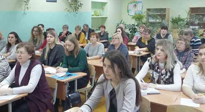 В гимназии г. Дзержинска состоялся районный семинар для учителей биологии
