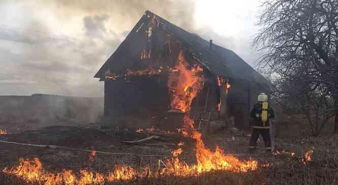 При пожаре в Моровщине погибла женщина