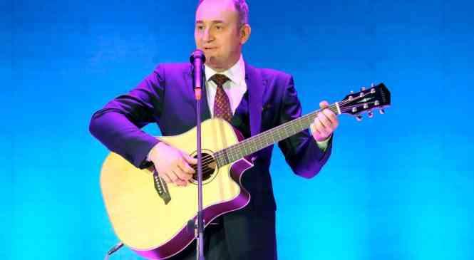 Известный юморист Святослав Ещенко выступил с концертом в Дзержинске