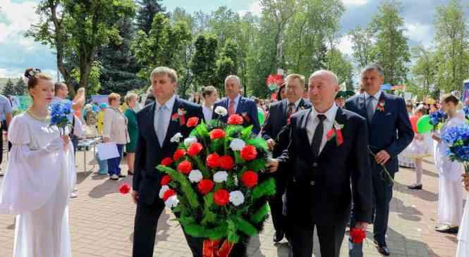 В День Независимости в Дзержинске состоялись торжественный митинг и военный парад