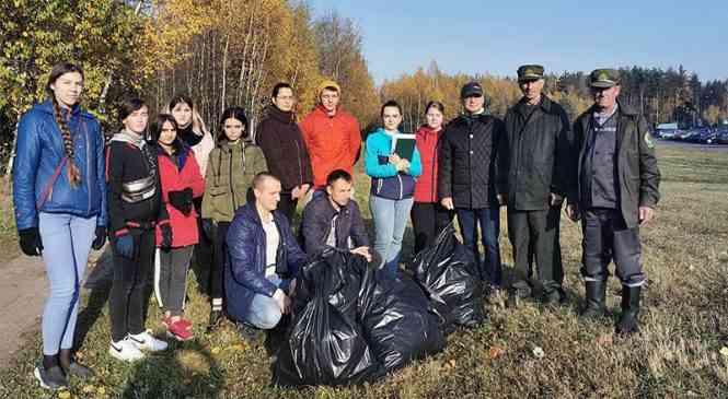 Органы прокуратуры Минской области приняли участие в акции «Чистый лес»