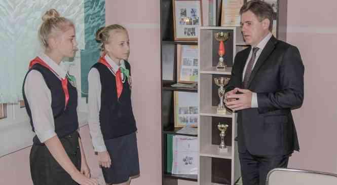 Игорь Петришенко: у системы образования есть будущее. Вице-премьер посетил Петковичский УПК ЯС-СШ