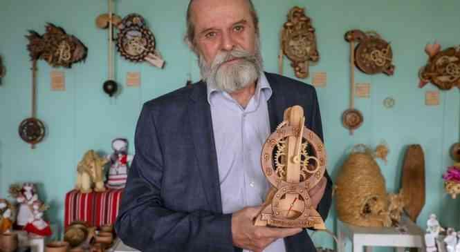 Механика времени и ее вдохновитель:  Андрей Мартынюк – про особенные часы с боем, коллег по цеху и муз