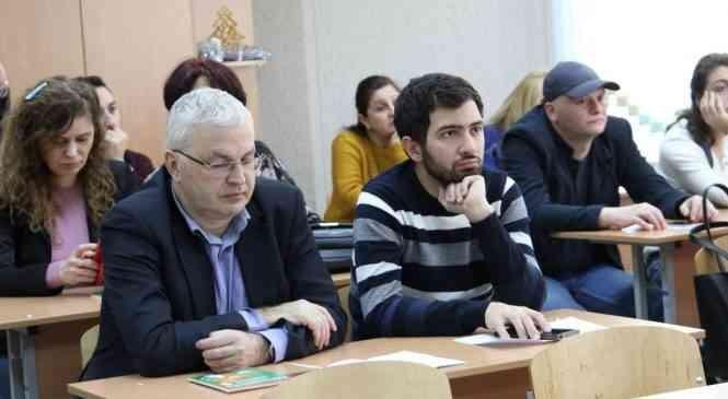 В гимназии г. Дзержинска состоялась встреча с коллегами из Грузии