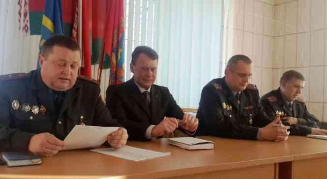 Участковые инспекторы РОВД держат отчет перед гражданами