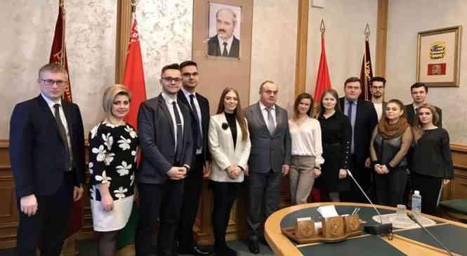 Иван Маркевич встретился с кандидатами в молодежный парламент при