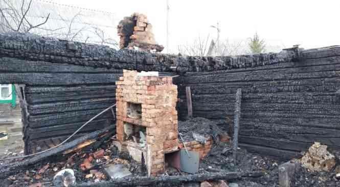 В деревне Мартиновичи горел деревянный дом