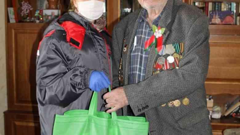 Дзержинский ТЦСОН присоединился к акции «Мы с тобой, ветеран»